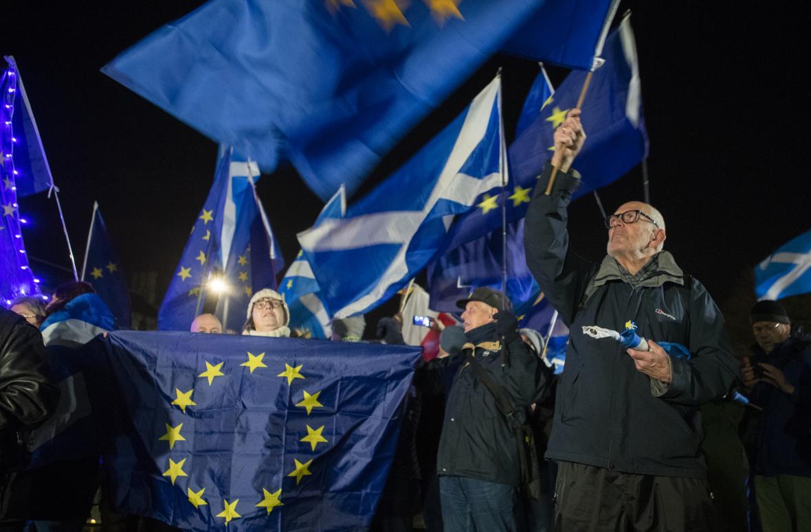 Ve skotském Edinburghu byla nálada brexitové noci o poznání poklidnější