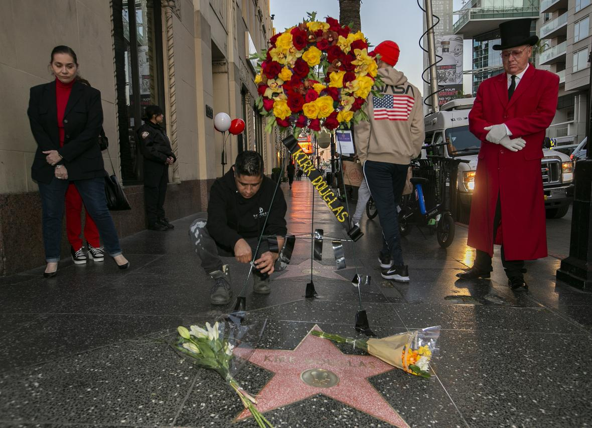Douglasova hvězda na chodníku slávy