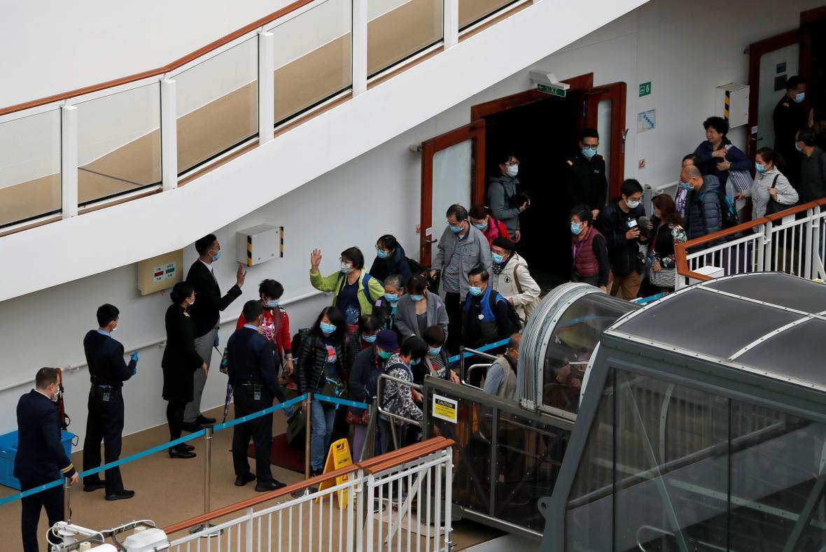 Mezi pasažéry výletní lodi World Dream se koronavirus neprojevil