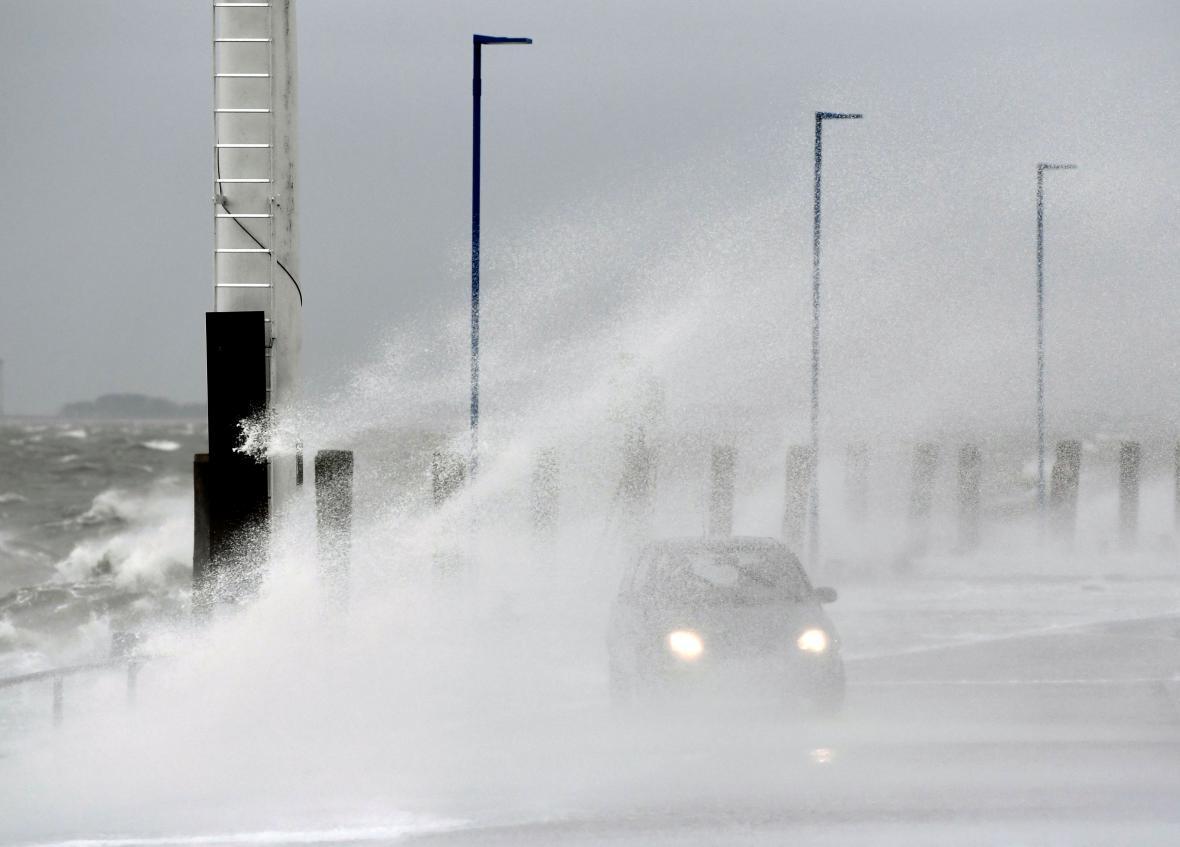 Bouře Sabine udeřila i na severu Německa v Dagebüllu
