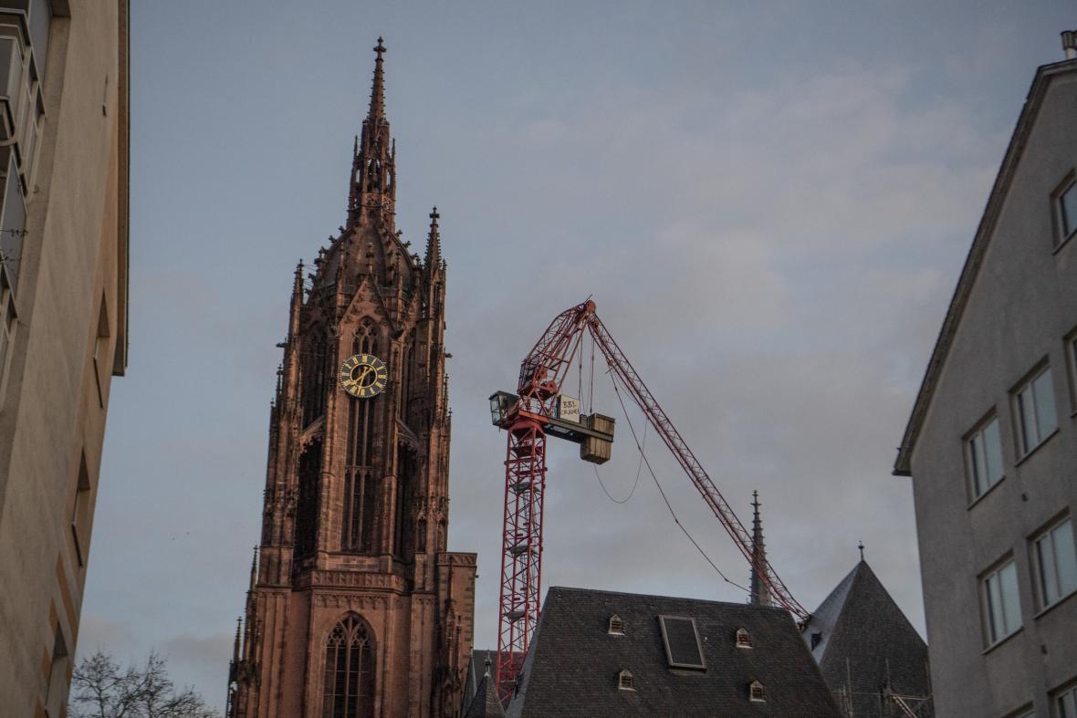 Poničený frankfurtský dóm