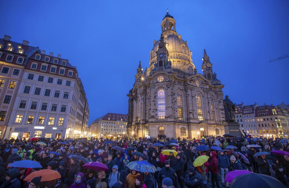 Připomínka 75. výročí bombardování Drážďan v centru města