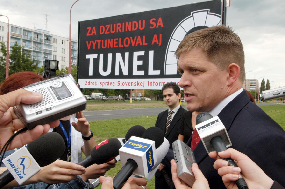Fico z řad opozice ostřeloval kroky Dzurindovy vlády