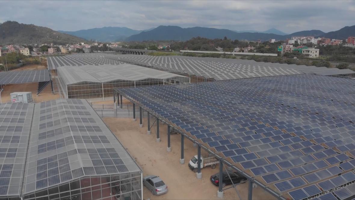 Projekt akvaponické farmy v Sia-menu