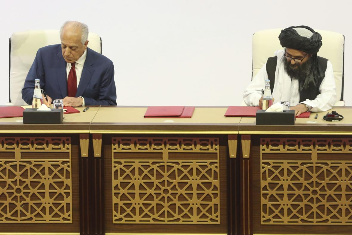 Podpis mírové dohody mezi USA a Tálibánem