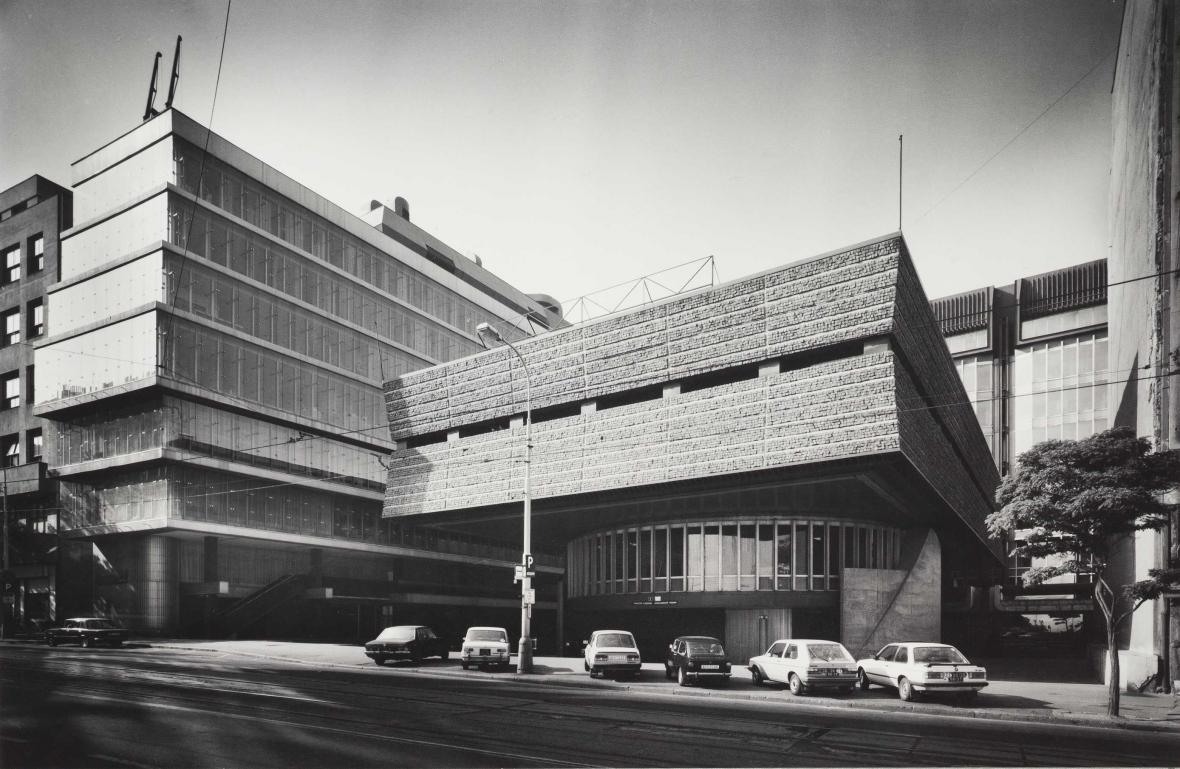 Transgas (1969-79, architekti: Ivo Loos, Jindřich Malátek, Václav Aulický, Jiří Eisenreich, Jan Fišer, Jiří Kozák)