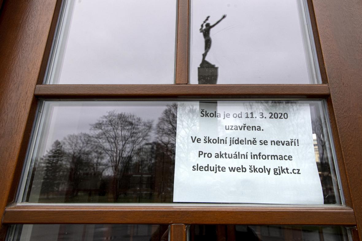 Uzavřená škola