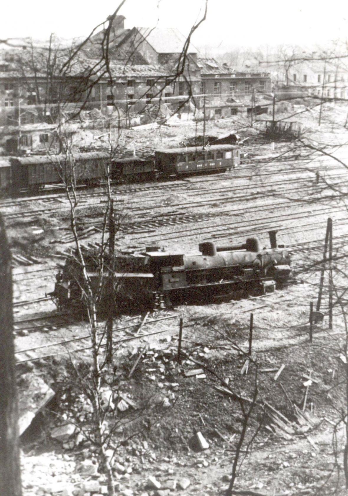 Nádraží a železnice