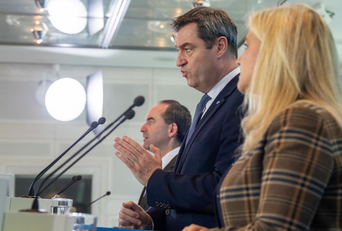 Bavorský premiér Markus Söder během tiskové konference