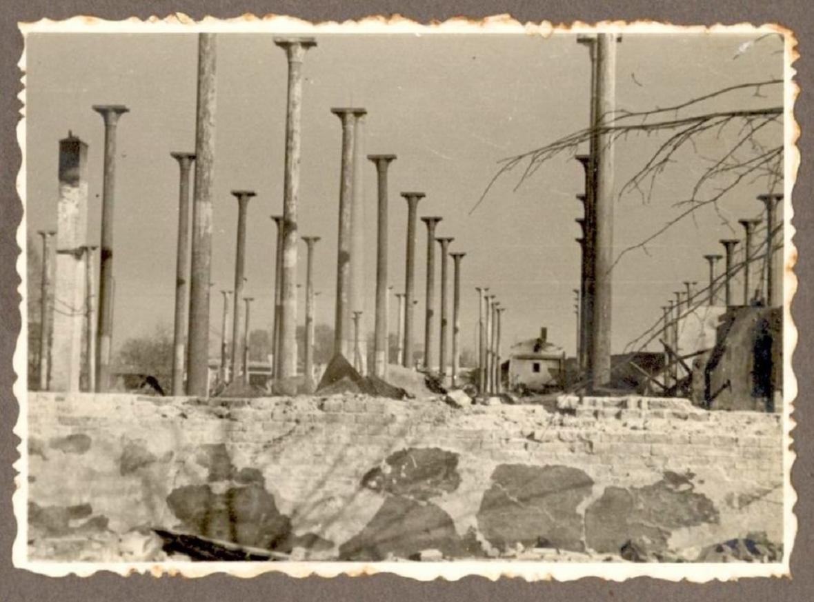 Libušina ulice, Ehrmannova továrna