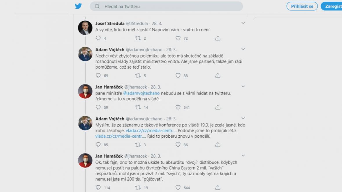 Slovní přestřelka ministrů na Twitteru