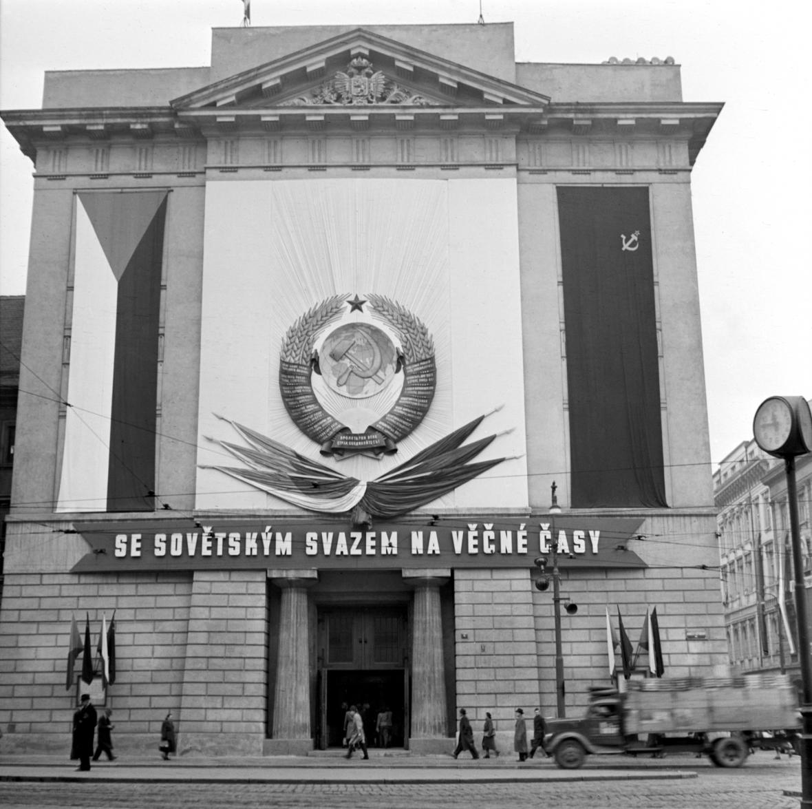 Se Sovětským svatem na věčné časy