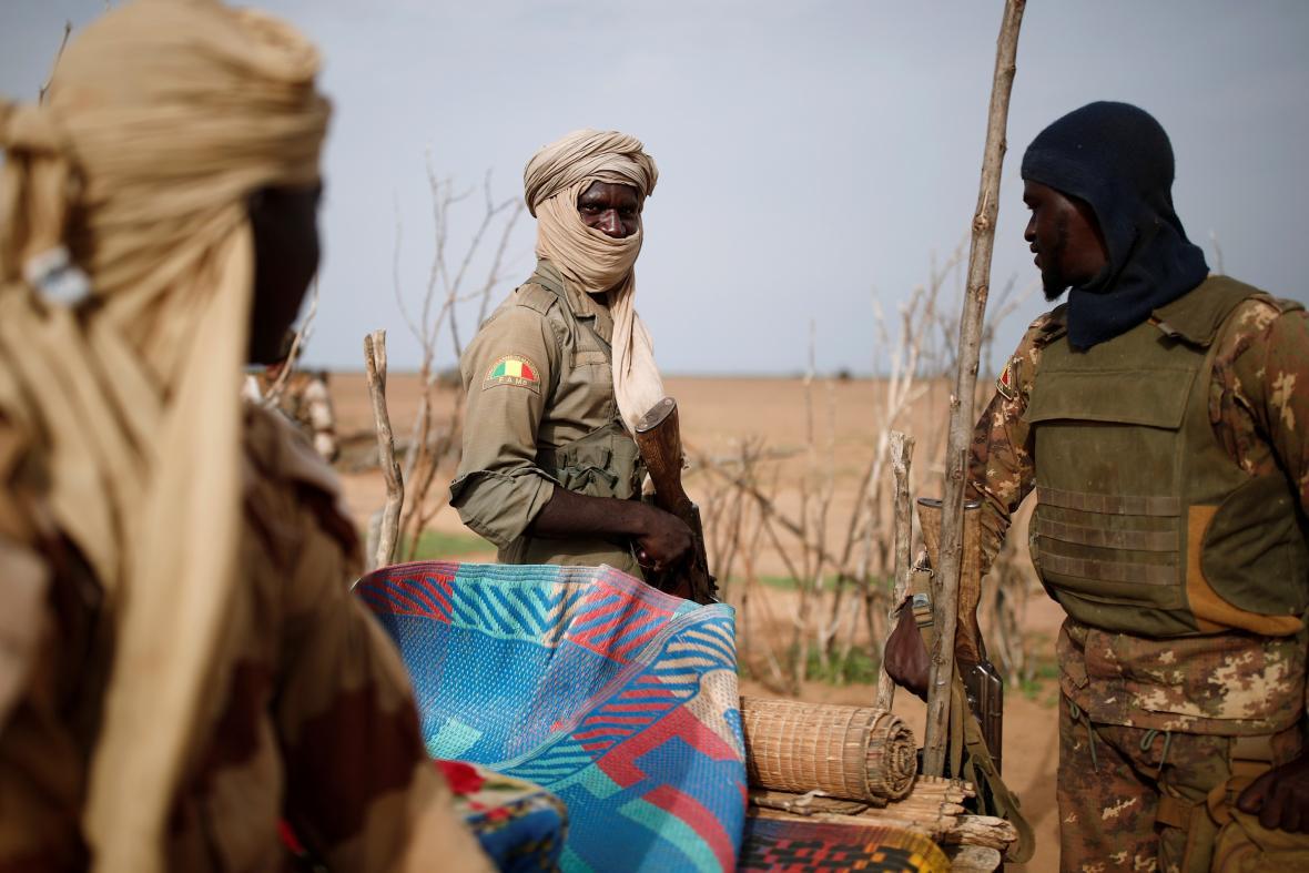 Malijské bezpečnostní síly účastnící se operace Barkhane v Sahelu