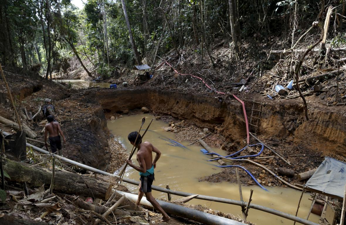 Příslušník amazonského kmene Yanomami