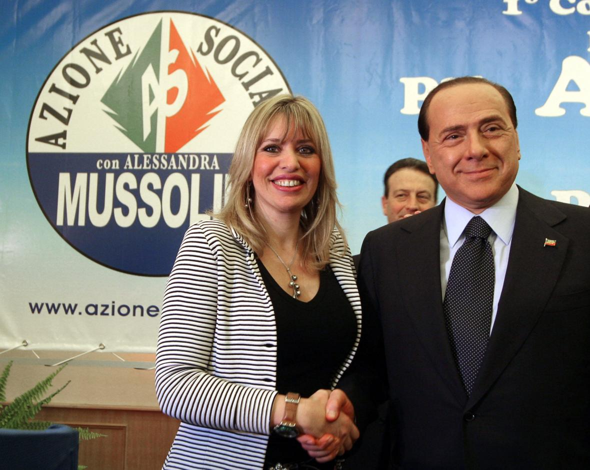 Alessandra Mussoliniová se Silviem Berlusconim (snímek z roku 2007)
