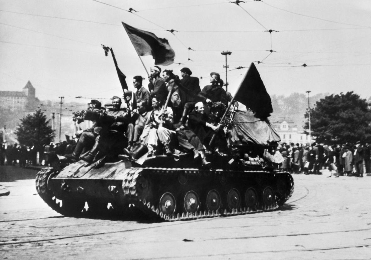 Příjezd Rudé armády do Prahy 9. května 1945