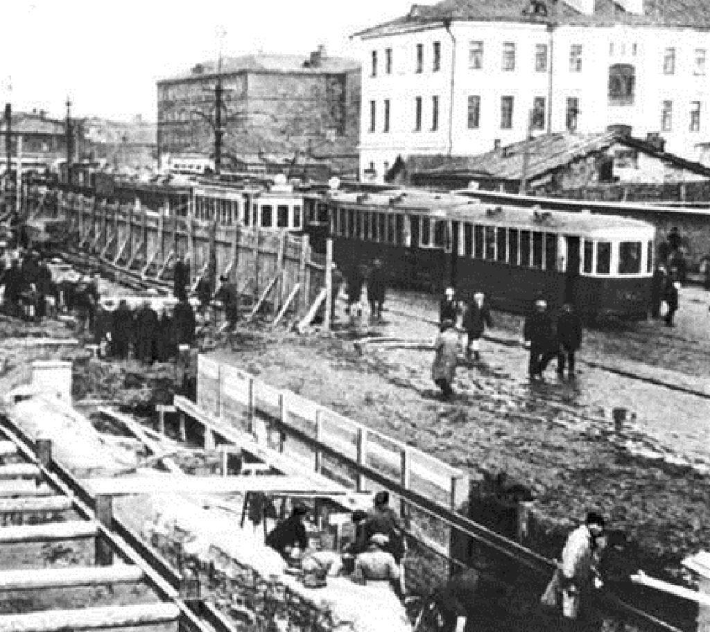 Stavba první linky moskevského metra