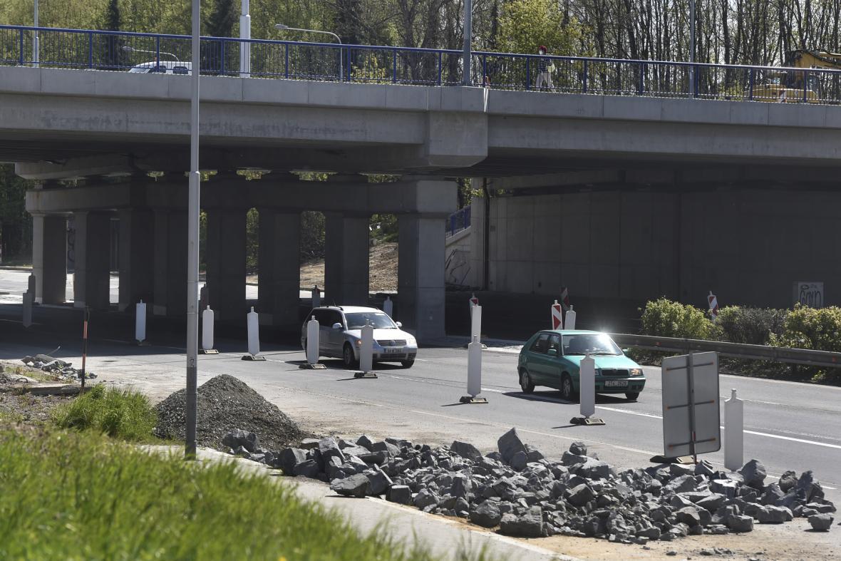 Oprava Výškovické ulice a přilehlých mostů komplikovala dopravu