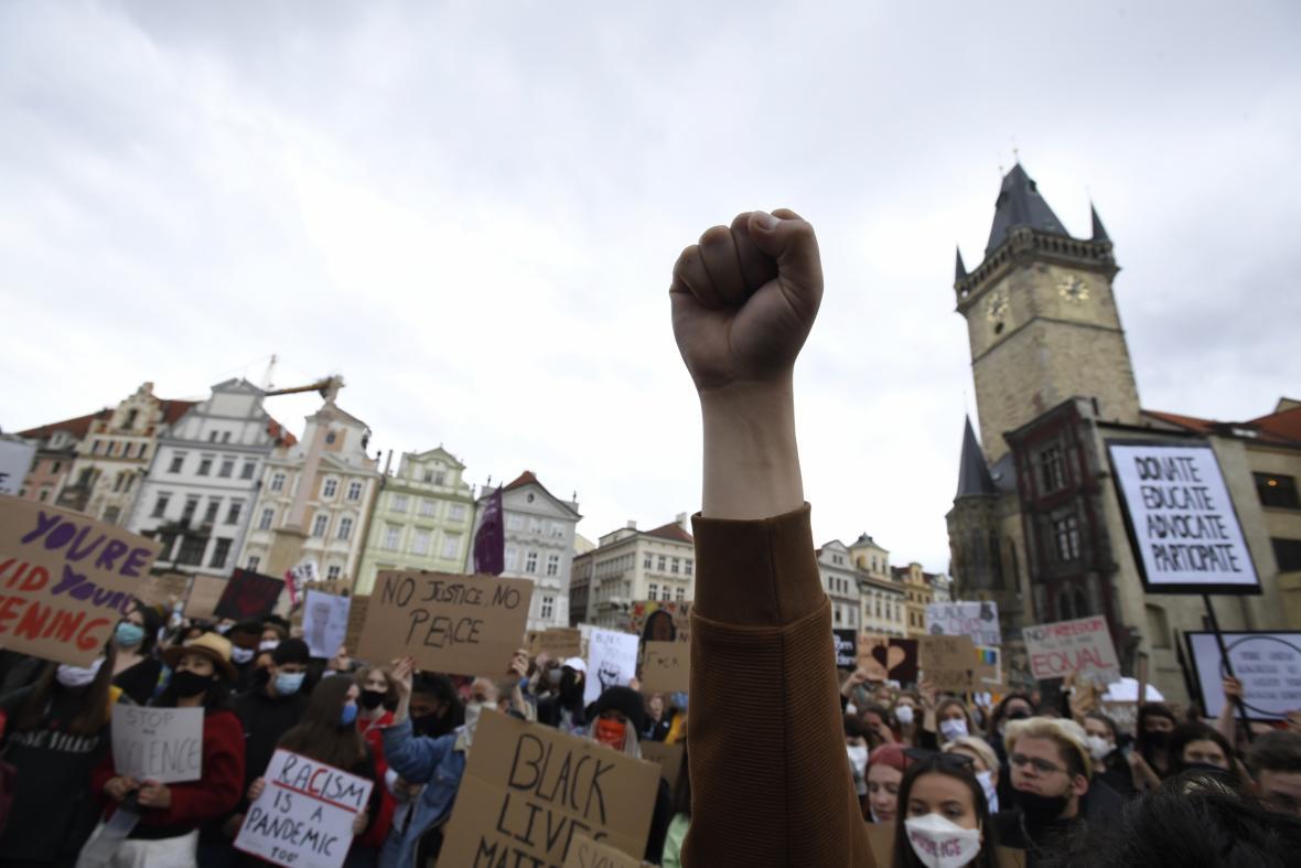 Demonstrace kvůli smrti George Floyda v Praze