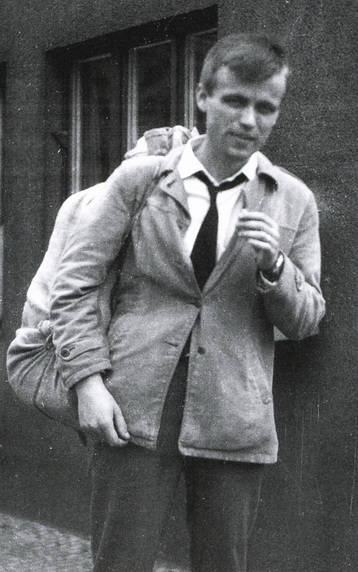 Václav Hrabě při návratu z vojny