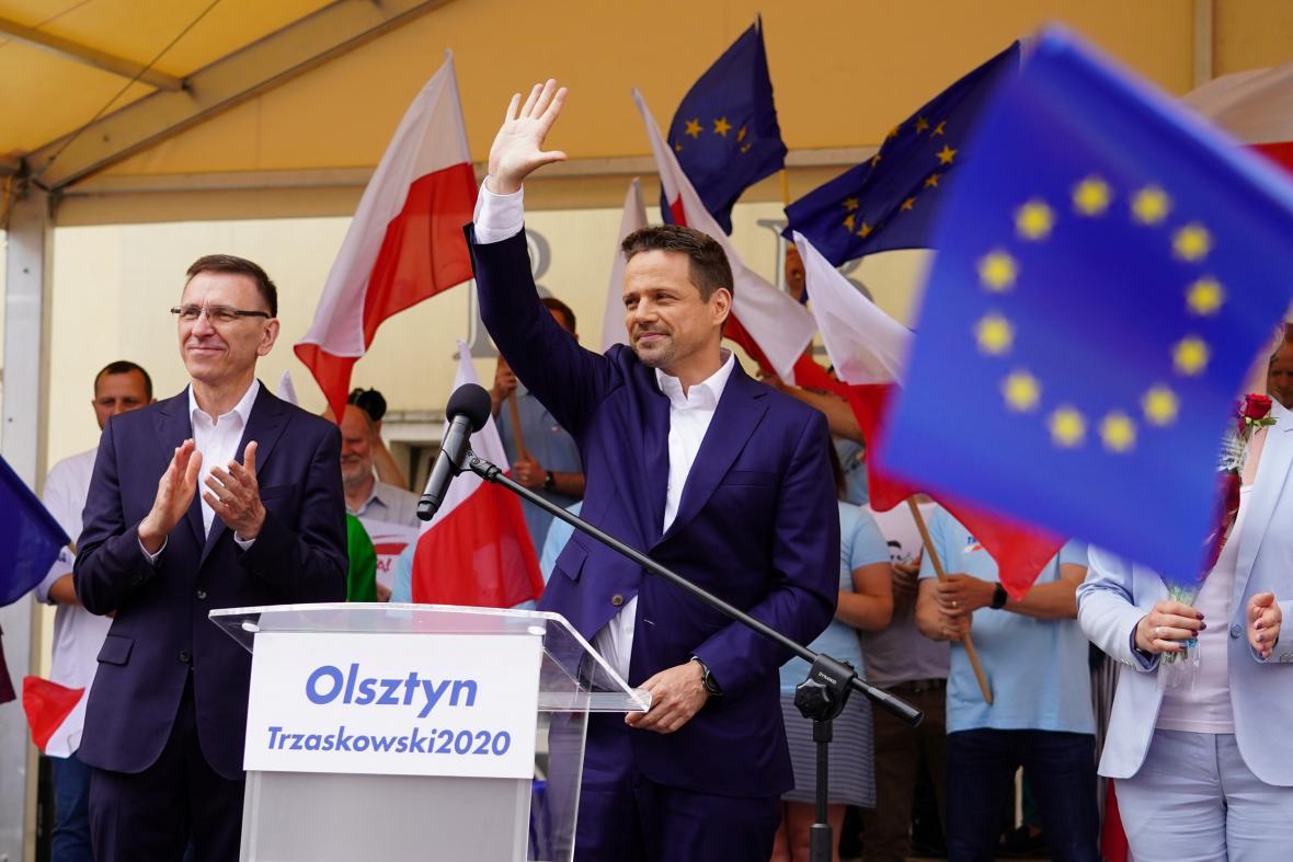 Rafal Trzaskowski během předvolebního mítinku
