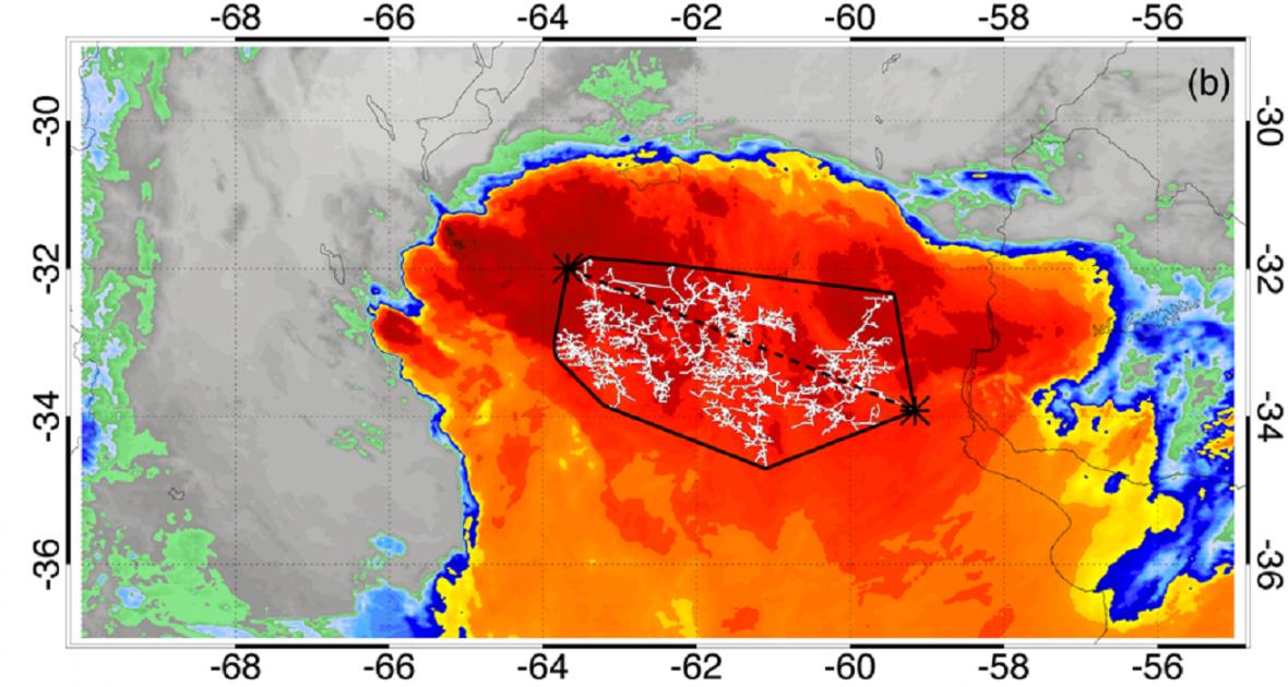 Satelitní snímek nejdéle trvajícího blesku