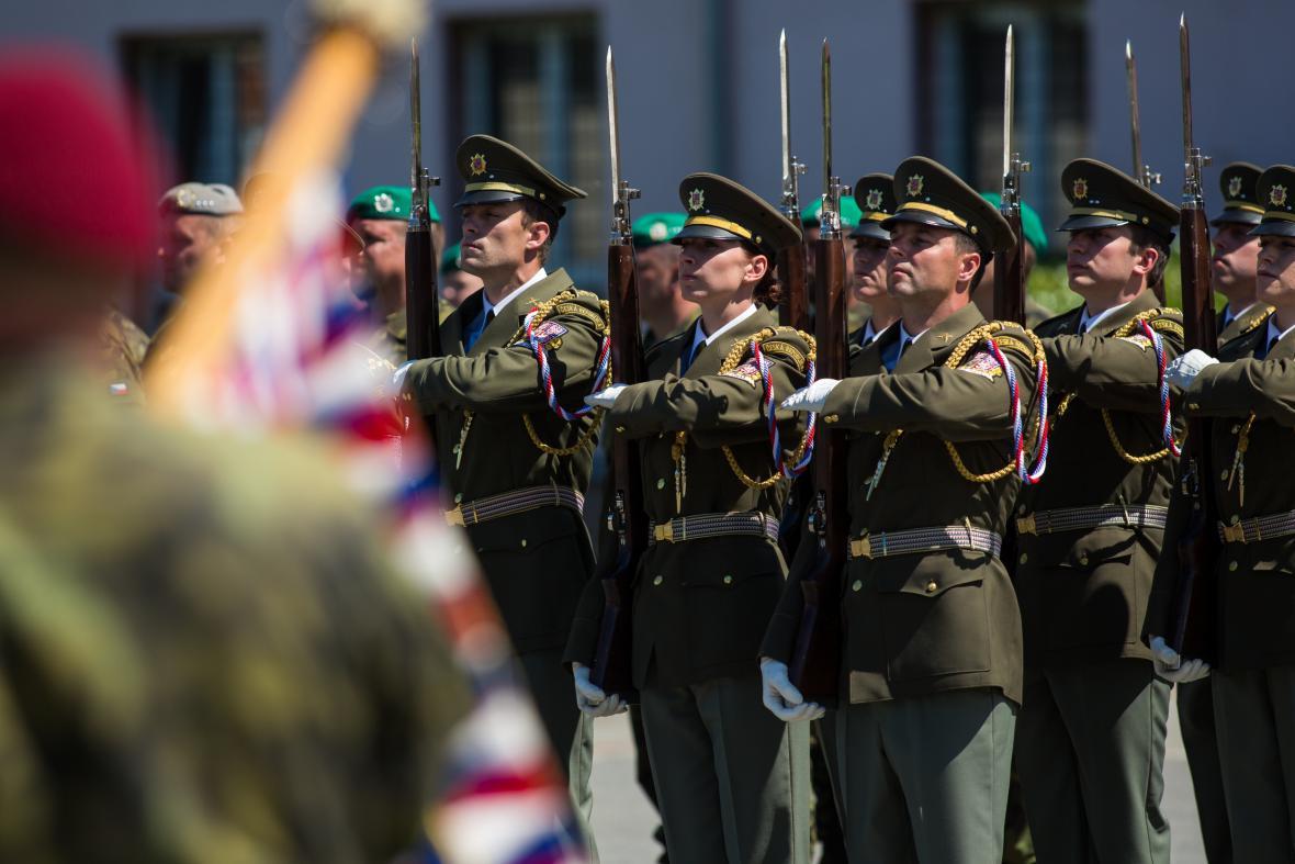 Velitelství pozemních sil se přestěhovalo z Prahy do Olomouce