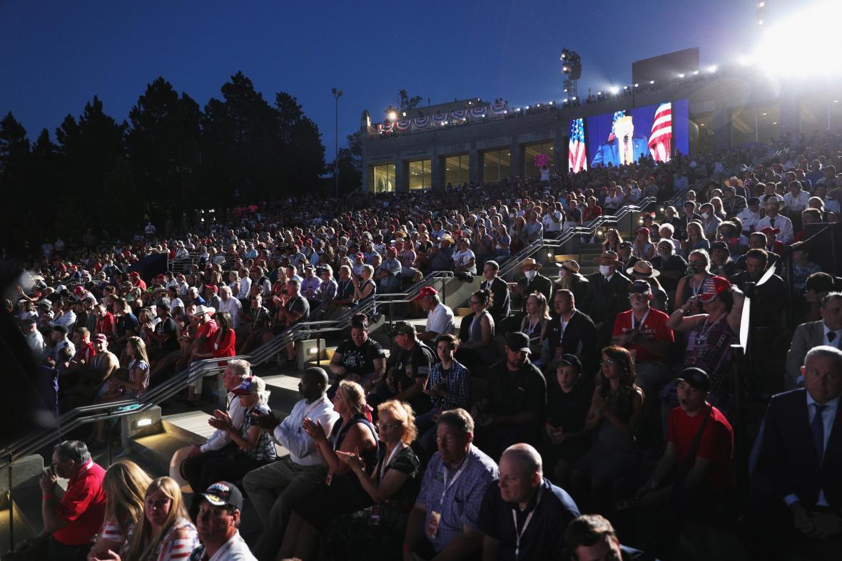 Do areálu dorazily tisíce lidí
