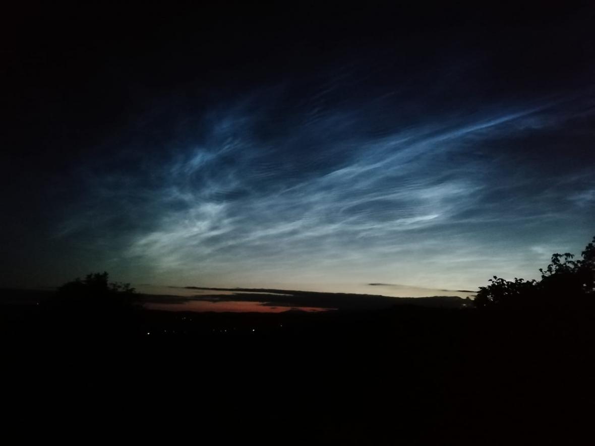 Svítící mraky nad Odolovem