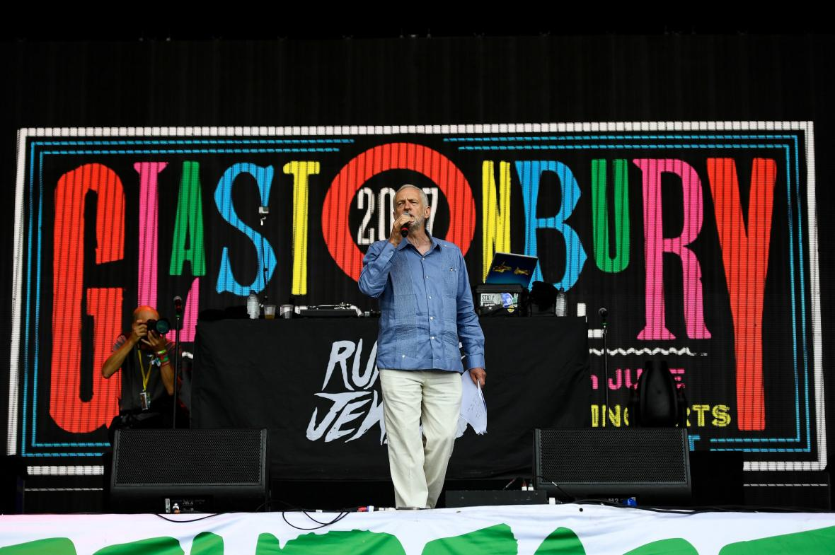 Corbynův projev na ikonickém festivale v Glastonbury