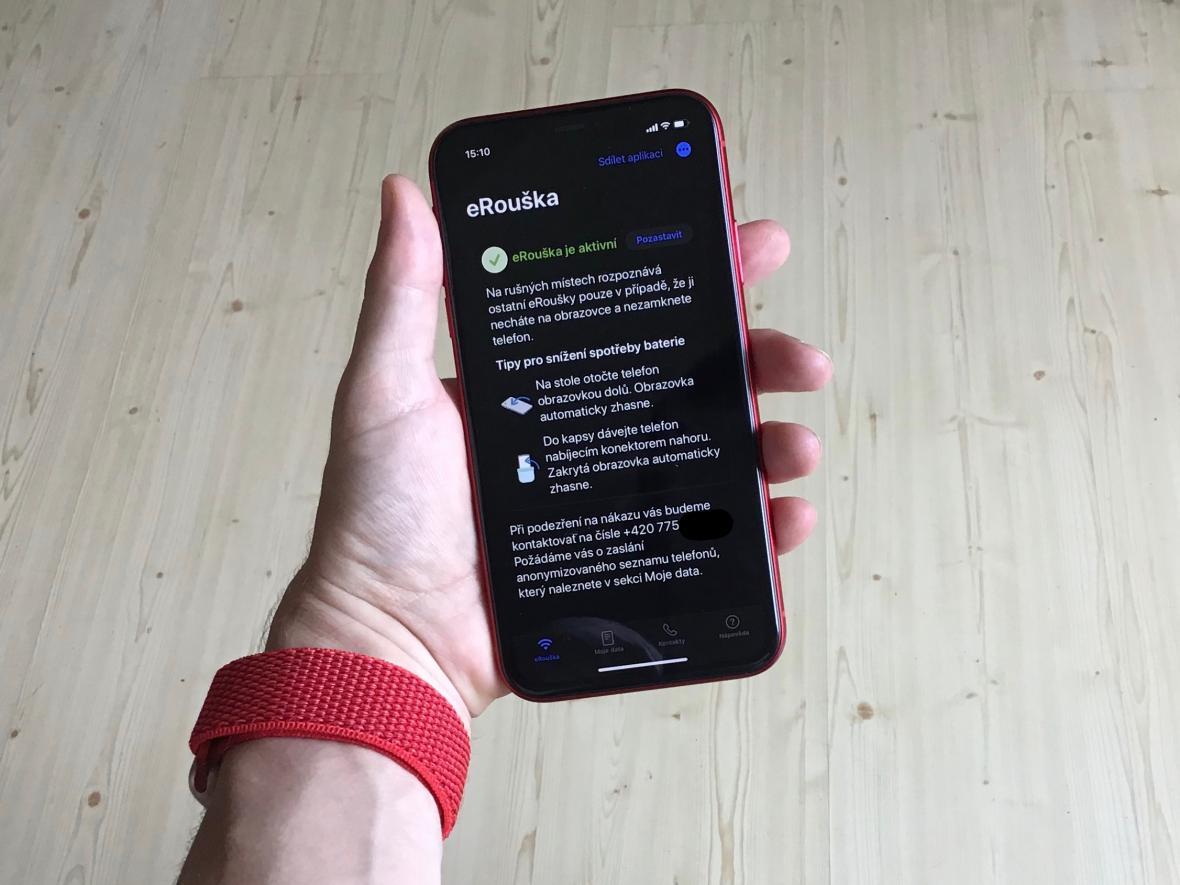 Aplikace eRouška na telefonu s operačním systémem iOS