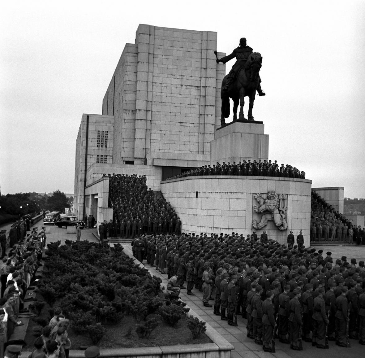 Slavnostní ceremoniál, 14. července 1950