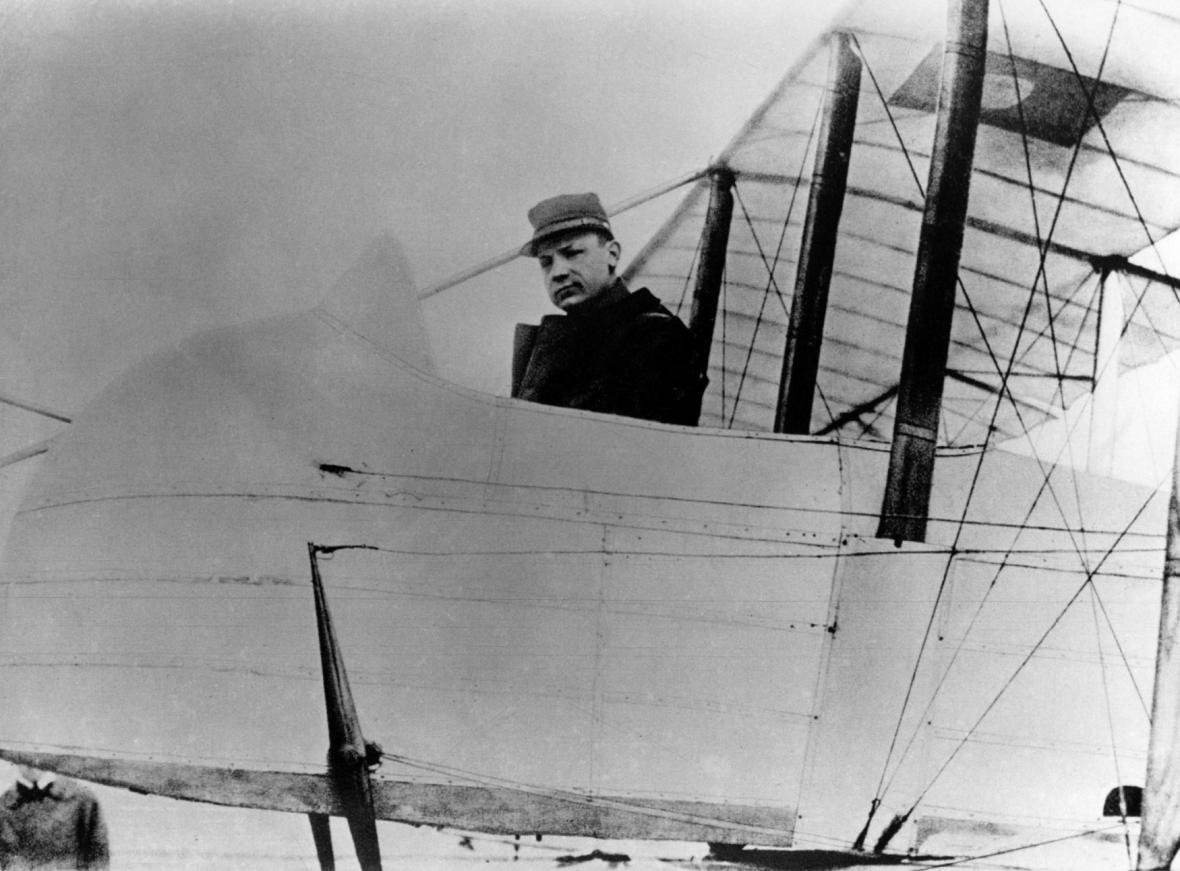 Milan Rastislav Štefánik v letadle na francouzské frontě v roce 1915