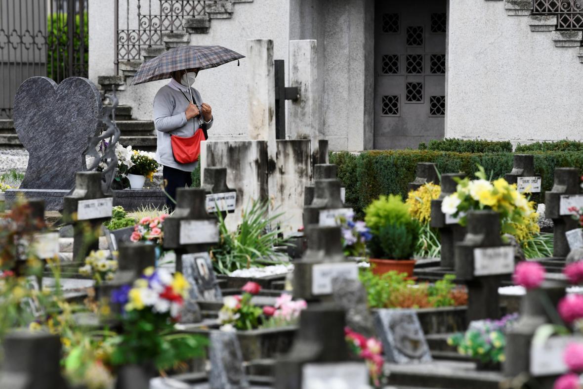 Jeden ze hřbitovů u Bergama