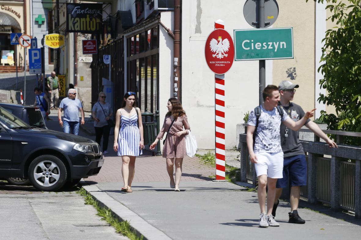 Český Těšín a Cieszyn rozděluje pouze řeka. K sousedům se lidé dostanou během pár minut