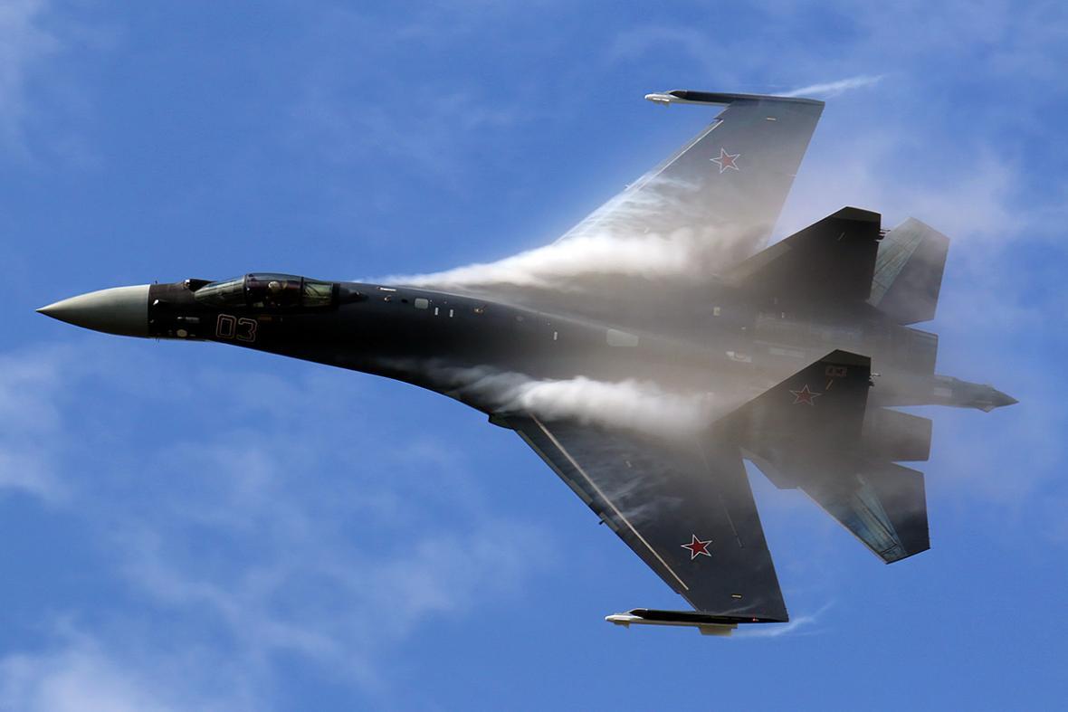 Přestože Rusko nadále rozvíjí letouny řady Su-27 (zde nejmodernější varianta Su-35S) a Čína dokonce představila dva typy 5. generace J-20 a J-31, s účastí ruských a čínských typů v případném českém tendru se nepočítá
