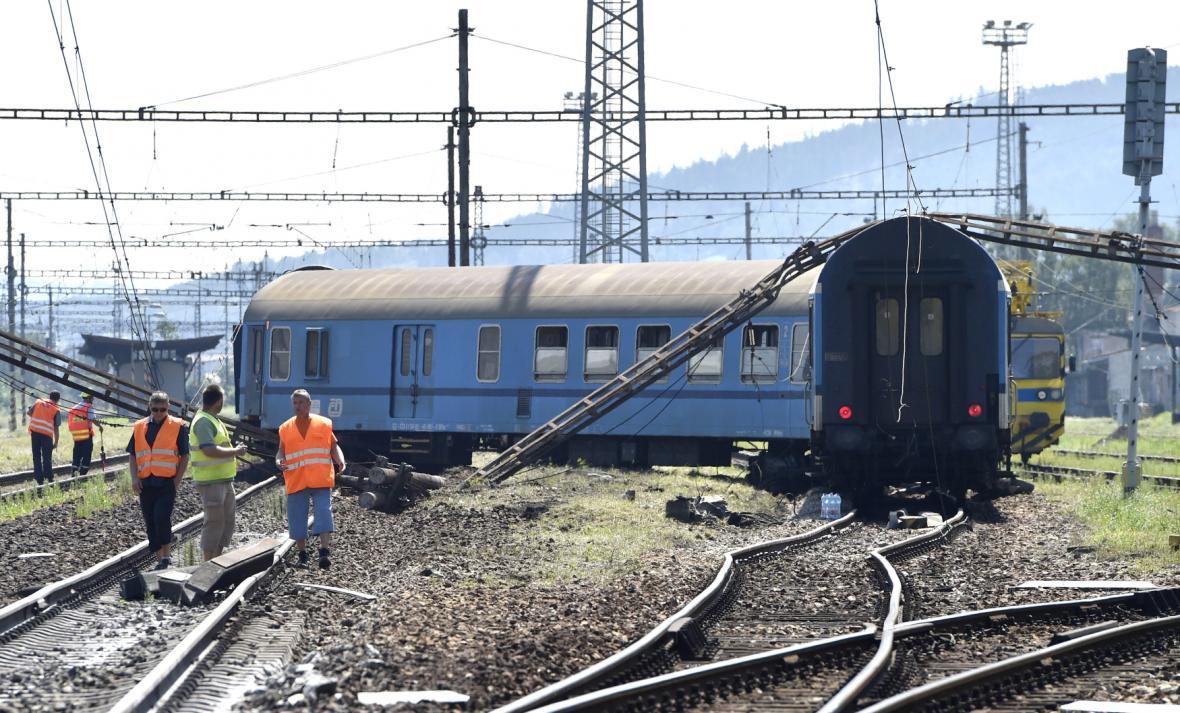V Tišnově vykolejil vlak