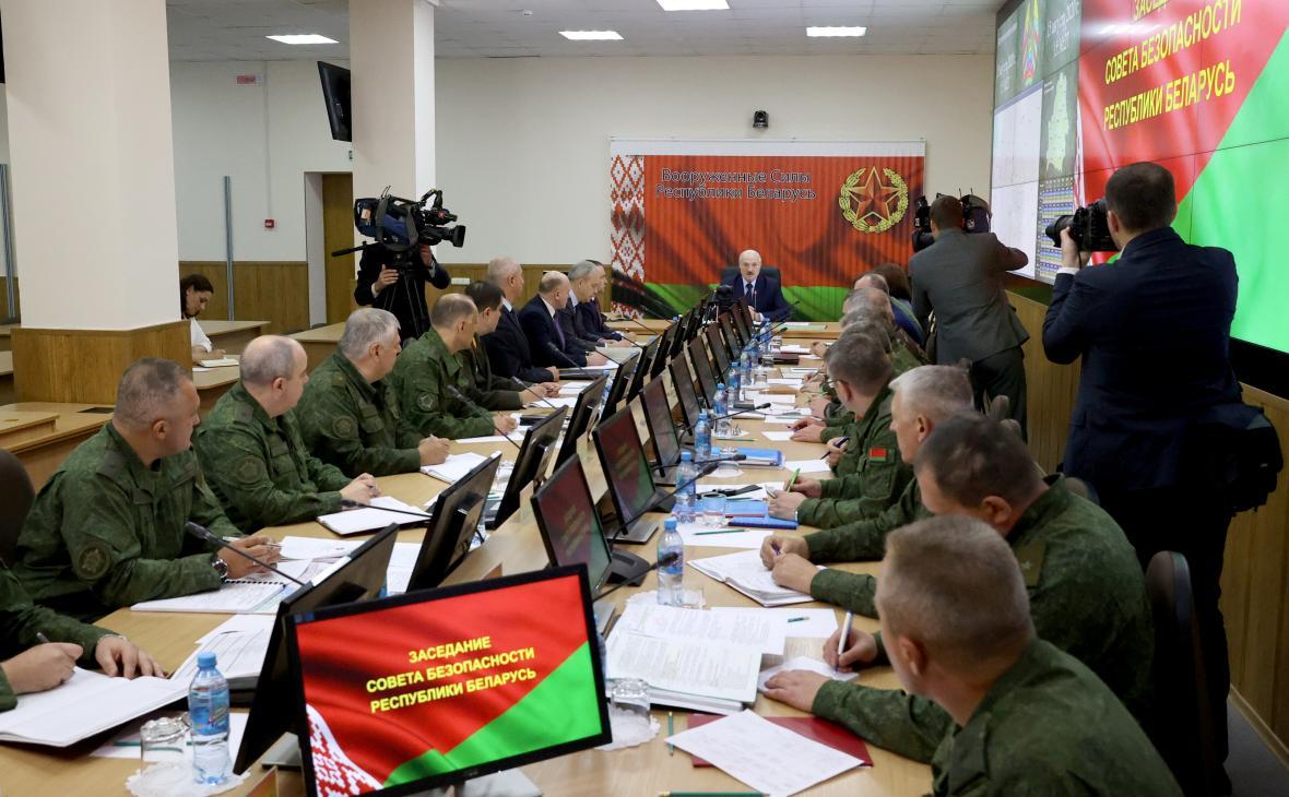 Alexandr Lukašenko na sobotním setkání v Centru strategického řízení ministerstva obrany