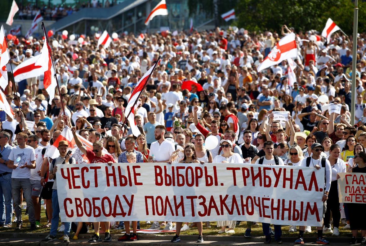 Protivládní demonstrace v Minsku 16. srpna 2020