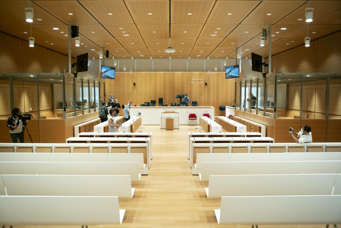 Soudní síň, ve které bude probíhat proces s obžalovanými z podílu na útocích v lednu 2015