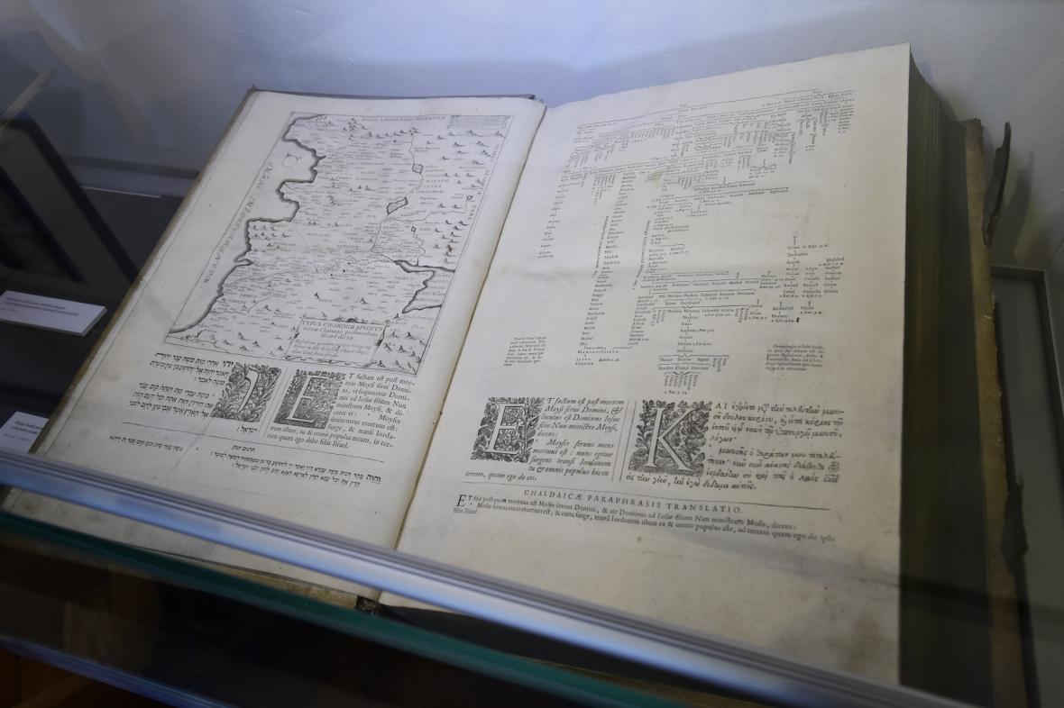 Jeden ze svazků Pařížské polygloty