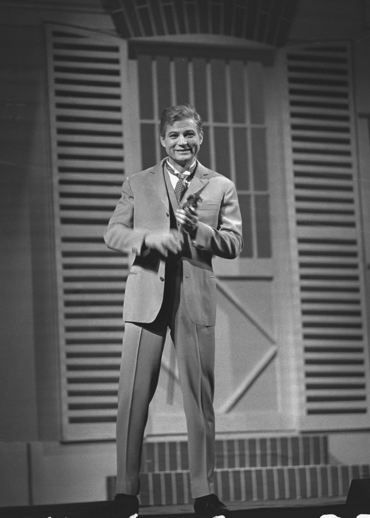 Karel Fiala jako Freddy Eynsford-Hill v muzikálu