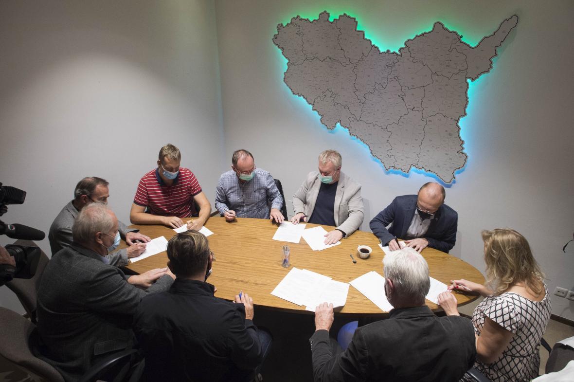 Podpis dohody o koordinaci dalších kroků povolebního vyjednávání