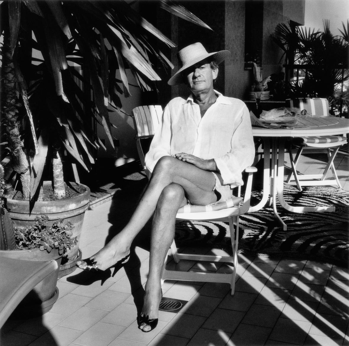 Helmut Newton ve svém domě, Monte Carlo, 1987, (c) Helmut Newton Foundation