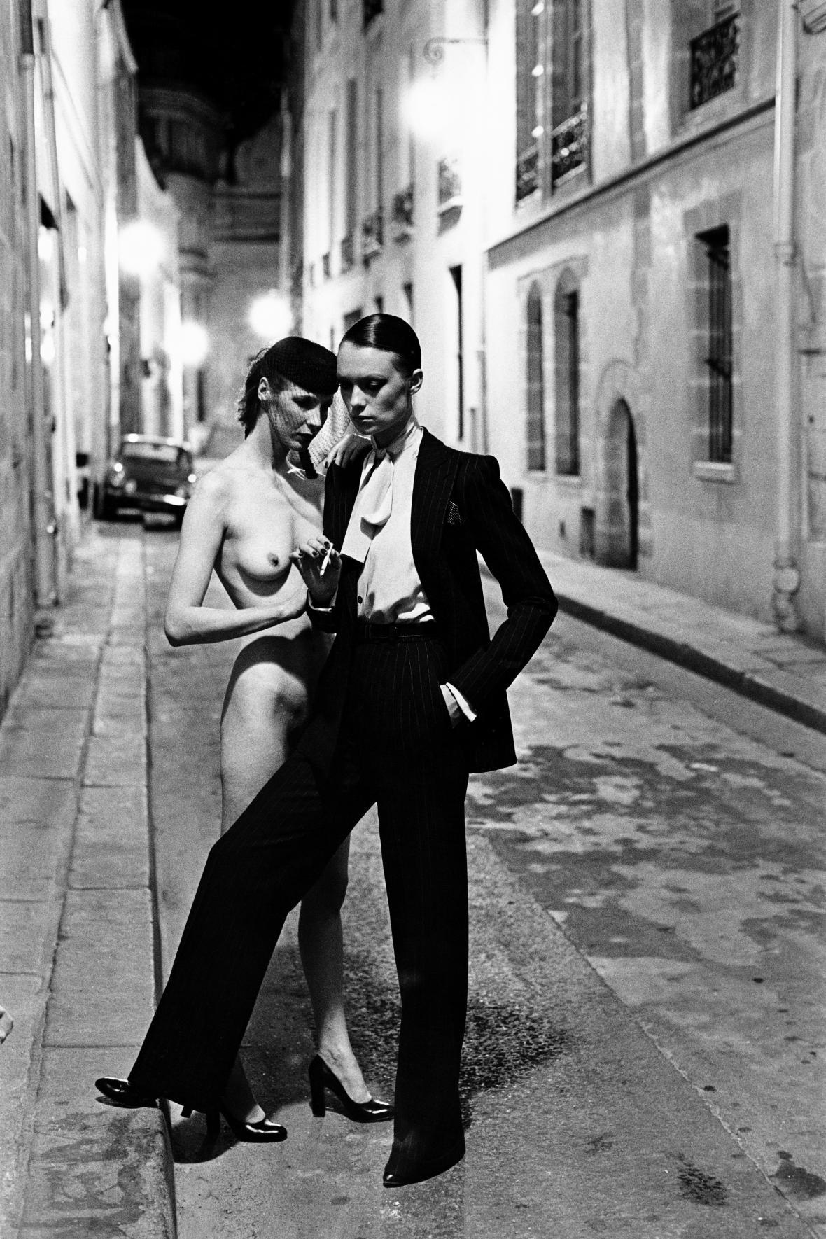 Fotografie pro značku Yves Saint Laurent, Paříž, 1975, (c) Helmut Newton Foundation