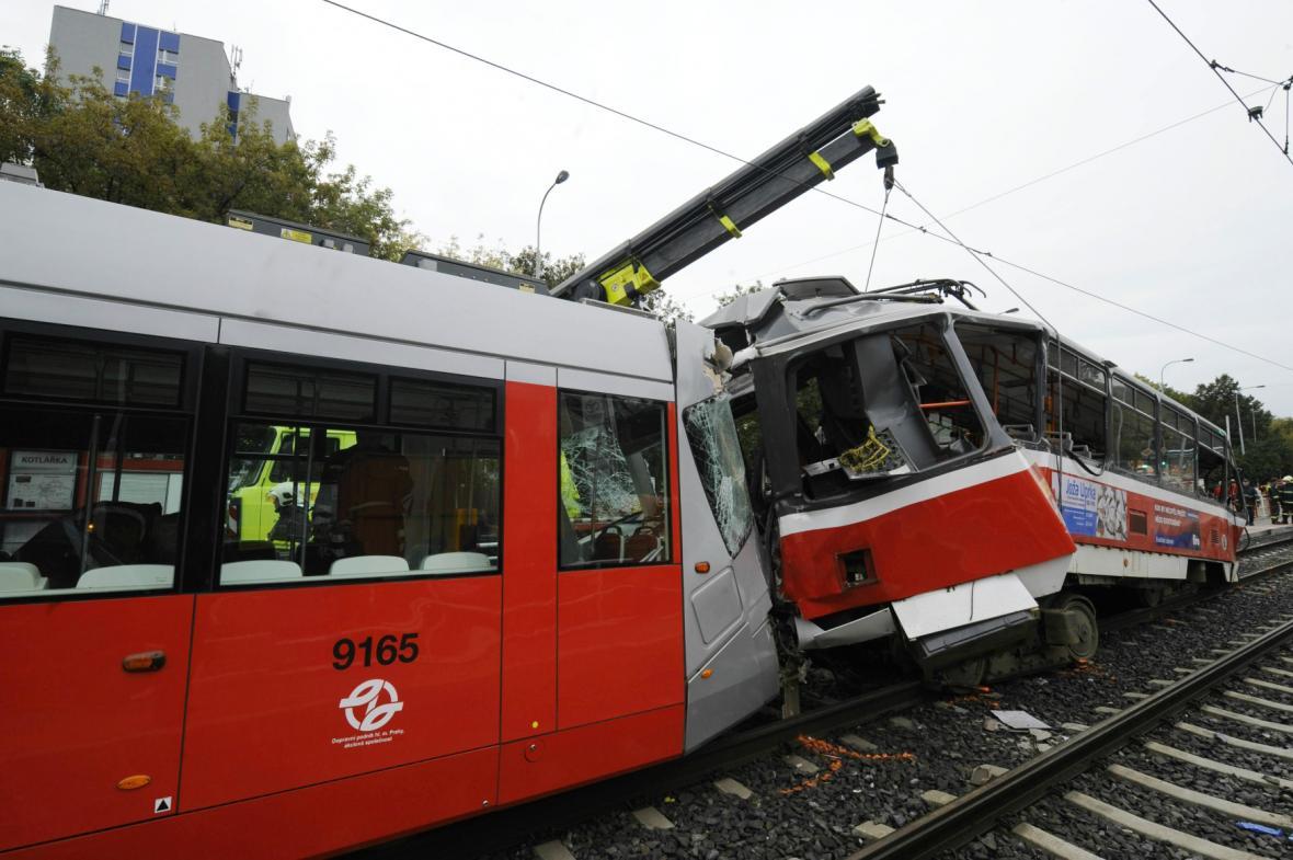 Nehoda tramvají typů 14T a T6