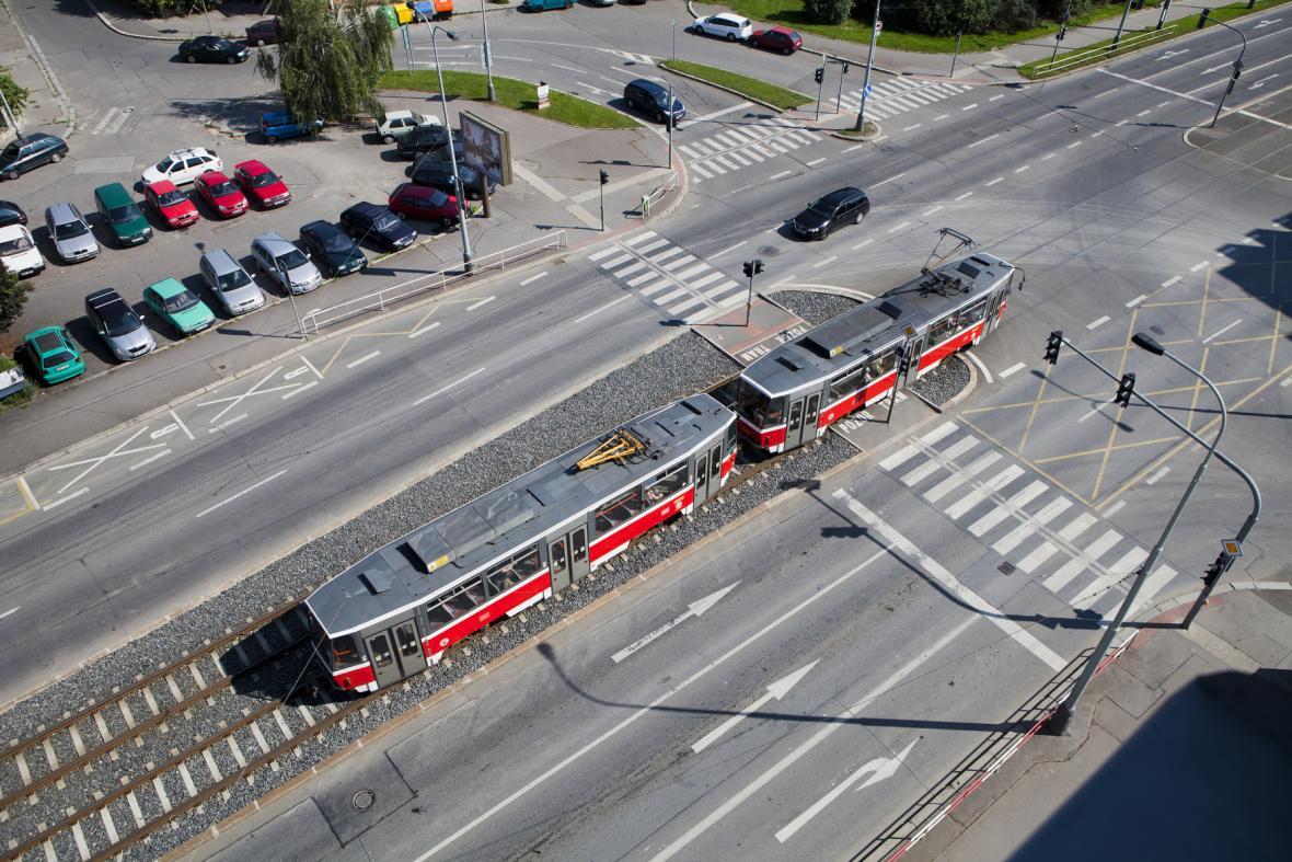 Dvouvozová souprava tramvaje T6A5