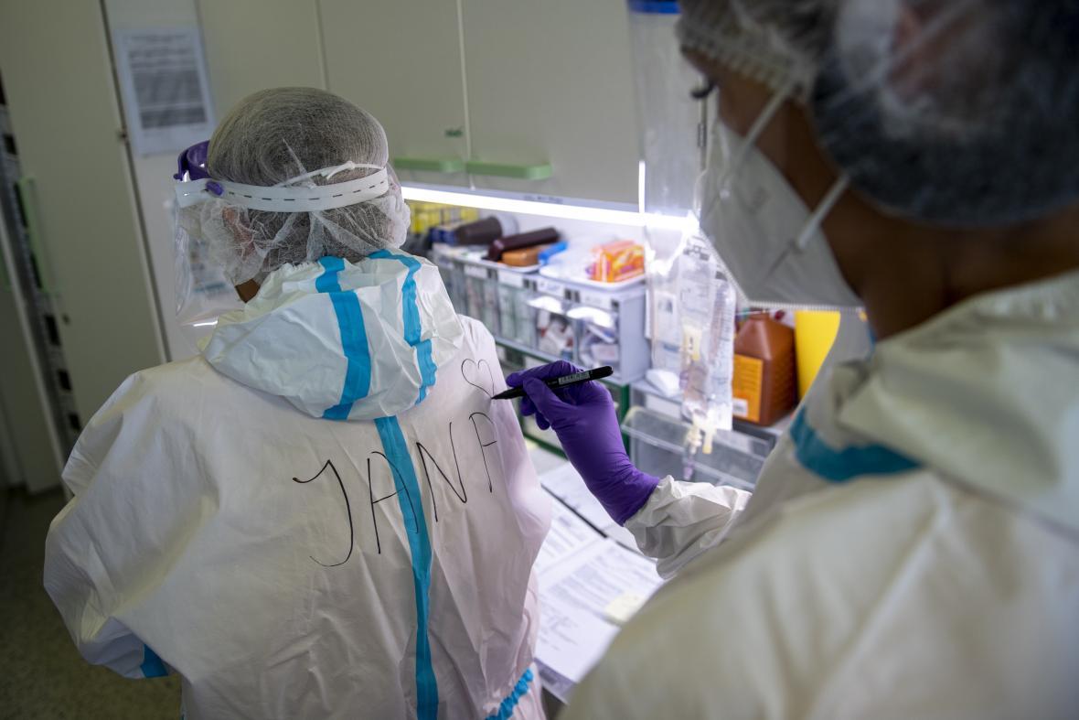 Zdravotníci po celém Česku jedou nadoraz