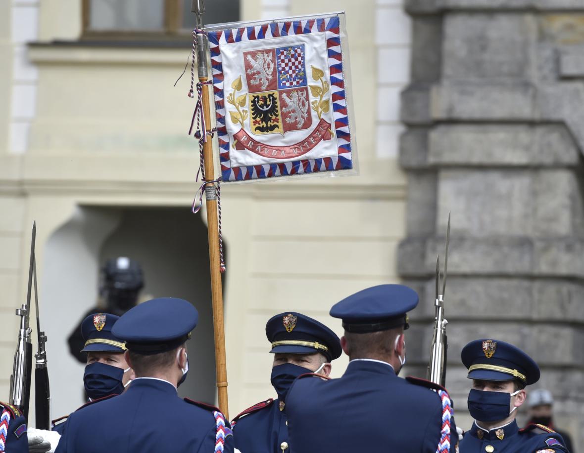 Slavnostní výměna stráží na Pražském hradě 28. října