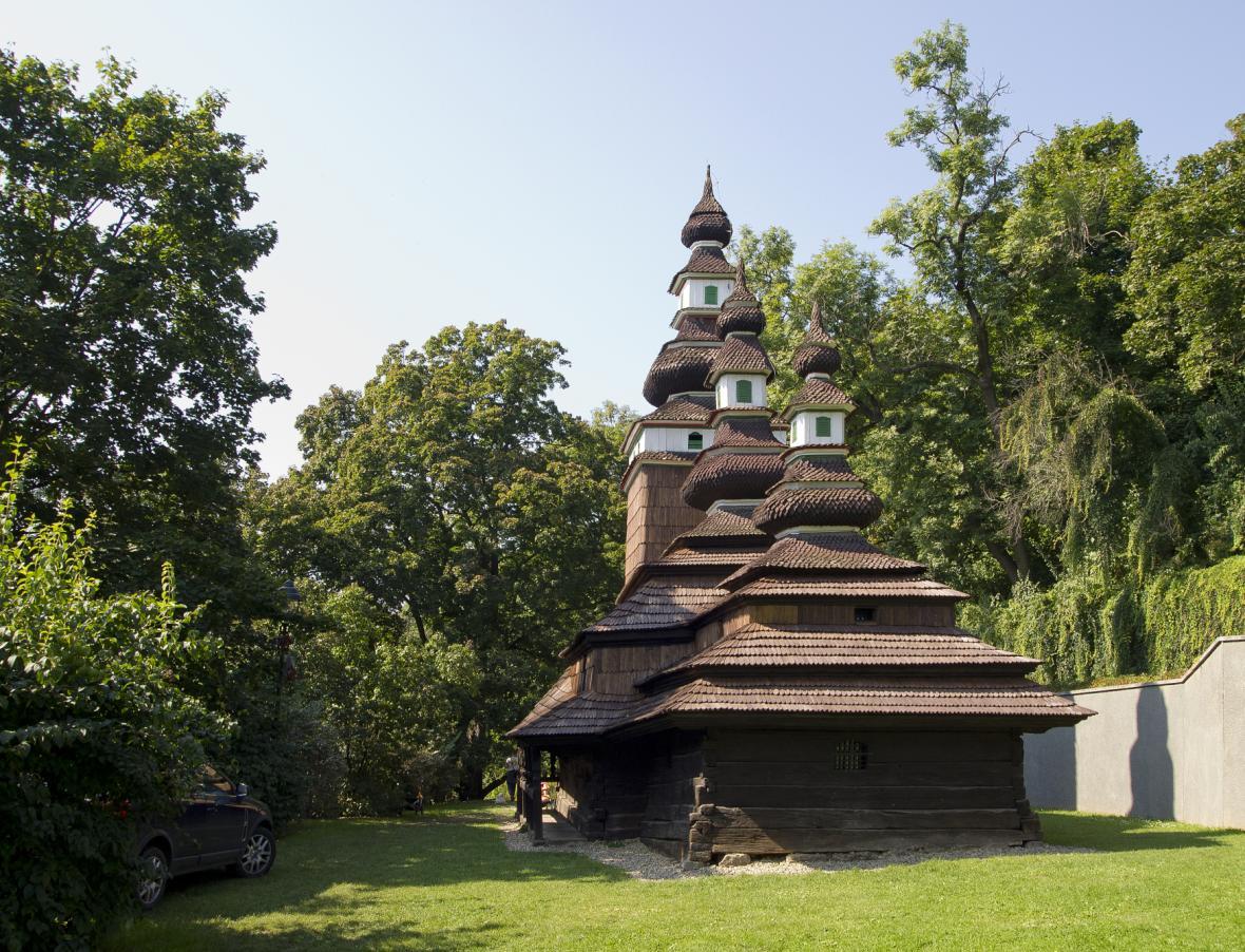 Pravoslavný dřevěný kostel svatého Michala v Praze